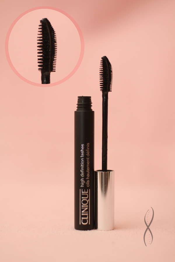 693bd084d7d High Definition Mascara Here's what Clinique says it does: Now brush, comb.  Create. Brush-side coats with dramatic color. Comb-side separates to  perfection.
