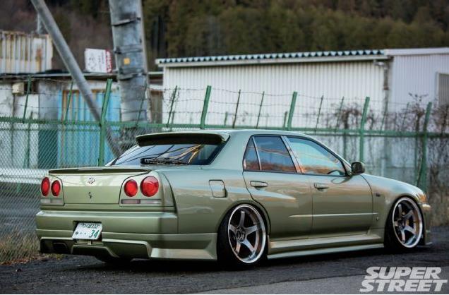 Cars Wallpaper Infront Of Skyline Four Doors Skyline Does Exist 2000 Nissan Skyline Gt T