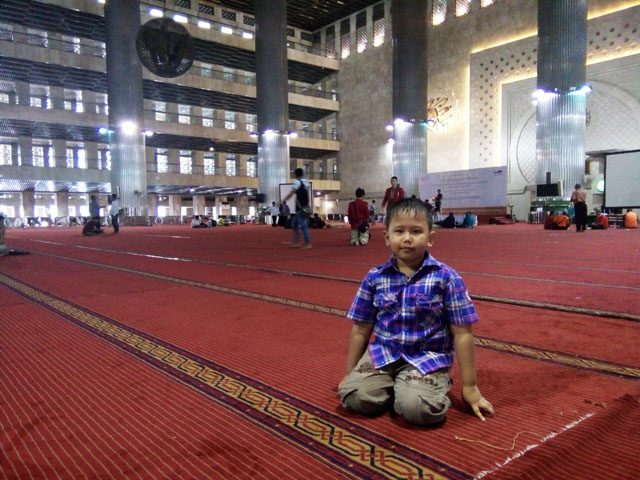 Masjid Istiqlal, kayak Mal kata Anak Saya.