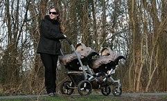 jumeaux-jumelles-poussette double-promenade-sorties-conseils