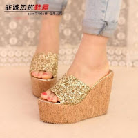 WEDGES WANITA TBP1039 GOLD