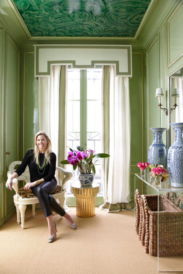 Stephanie Kraus Designs Blue And White Living Room A: STYLEBEAT: GOING GREEN: A VERDANT LAKE FOREST SHOWHOUSE