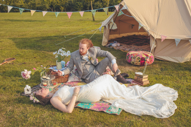 boho+bohemian+hippie+tent+carnival+circus+elope+elopement+wedding+bride+groom+1960s+60s+retro+volkswagon+vw+van+shabby+chic+earth+eco+friendly+organic+rustic+bohemian+weddings+photography+2 - Rain on my parade!