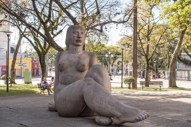 Estátua da Mulher Nua