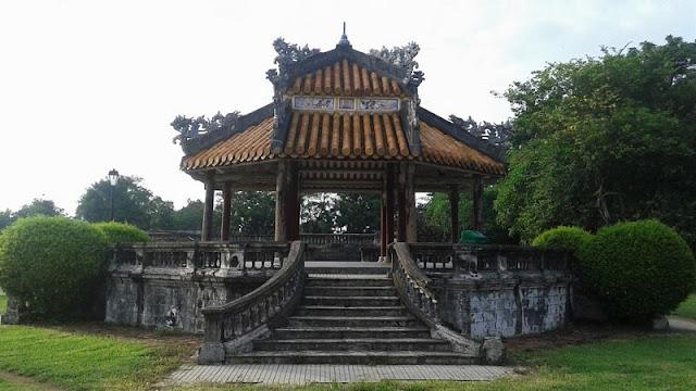 Templete en la Ciudad Prohibida Púrpura de Hué
