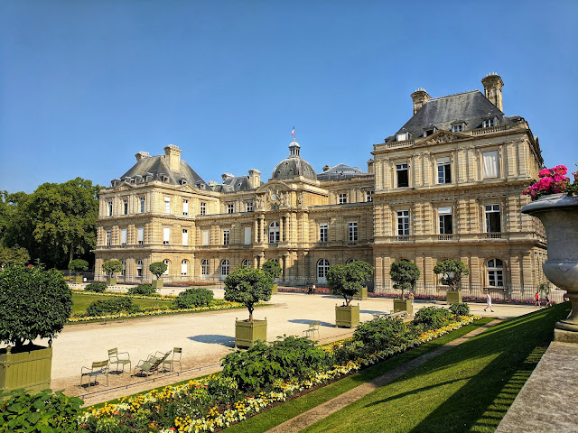 Luxembourg_Palace_2