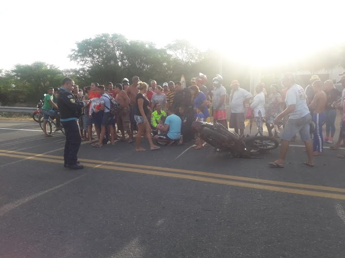 Colisão entre motocicletas deixa três mulheres feridas em Novo Oriente