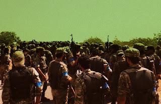 Местное тюркское население приветствует вступление турецких войск в Сирию