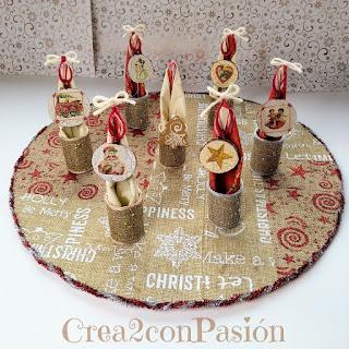 Viste-tu-mesa-en-Navidad-diys-servilleteros-con-arpillera-y-decoupage-y-bajo-plato-reciclando-carton-crea2-con-pasion