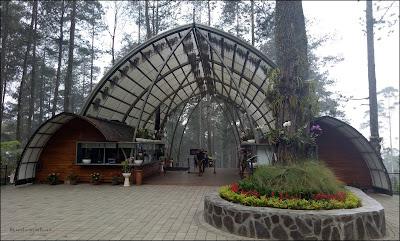 Enterance gate Orchid Forest Cikole
