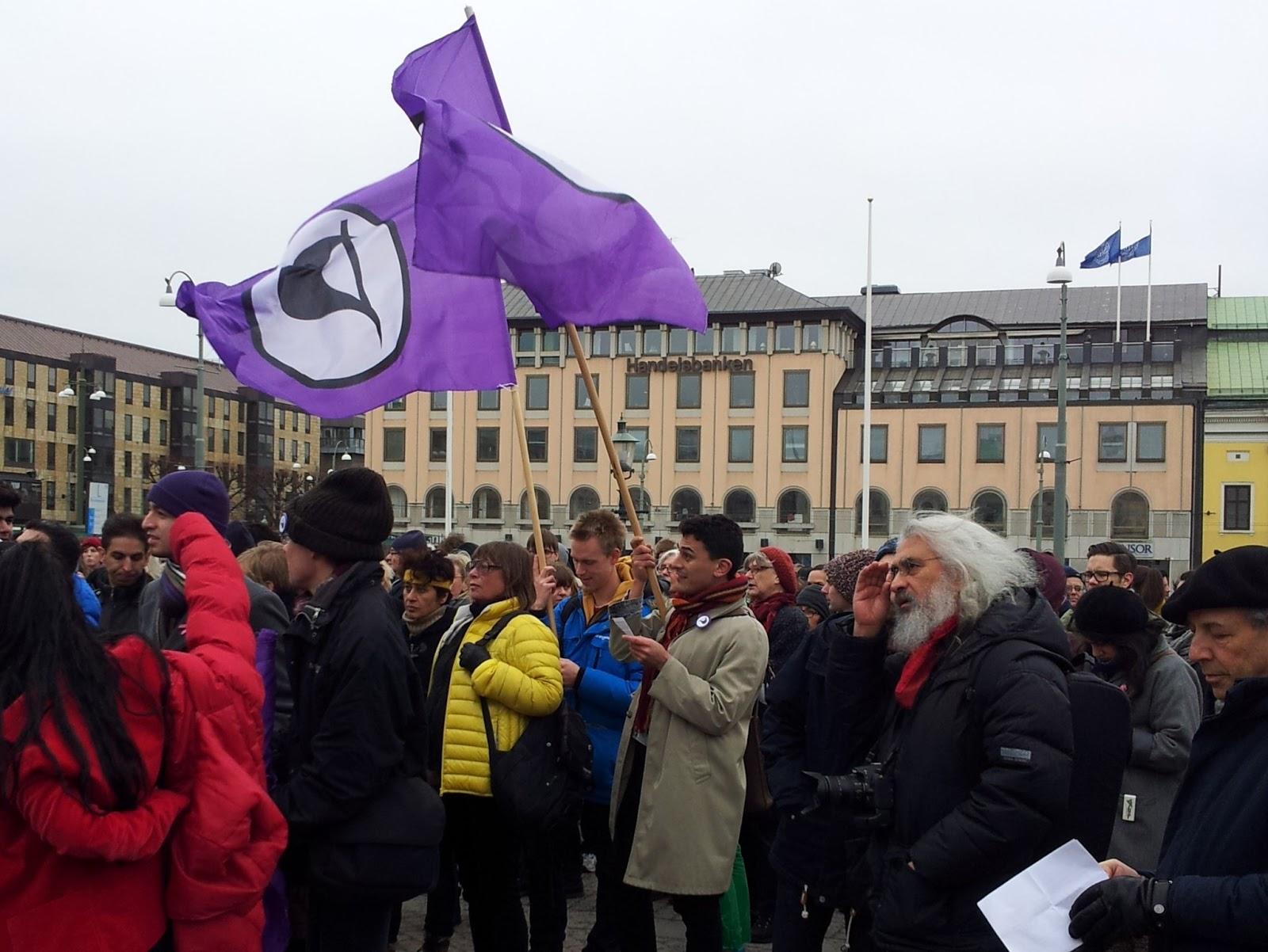 Pirater, humanister, vänstern, högern, socialister, liberaler, unga och gamla samlades i hundratal i Göteborg förra helgen i protest mot REVA. Imorgon gör vi detsamma över hela landet! Foto: Anne Kekki.