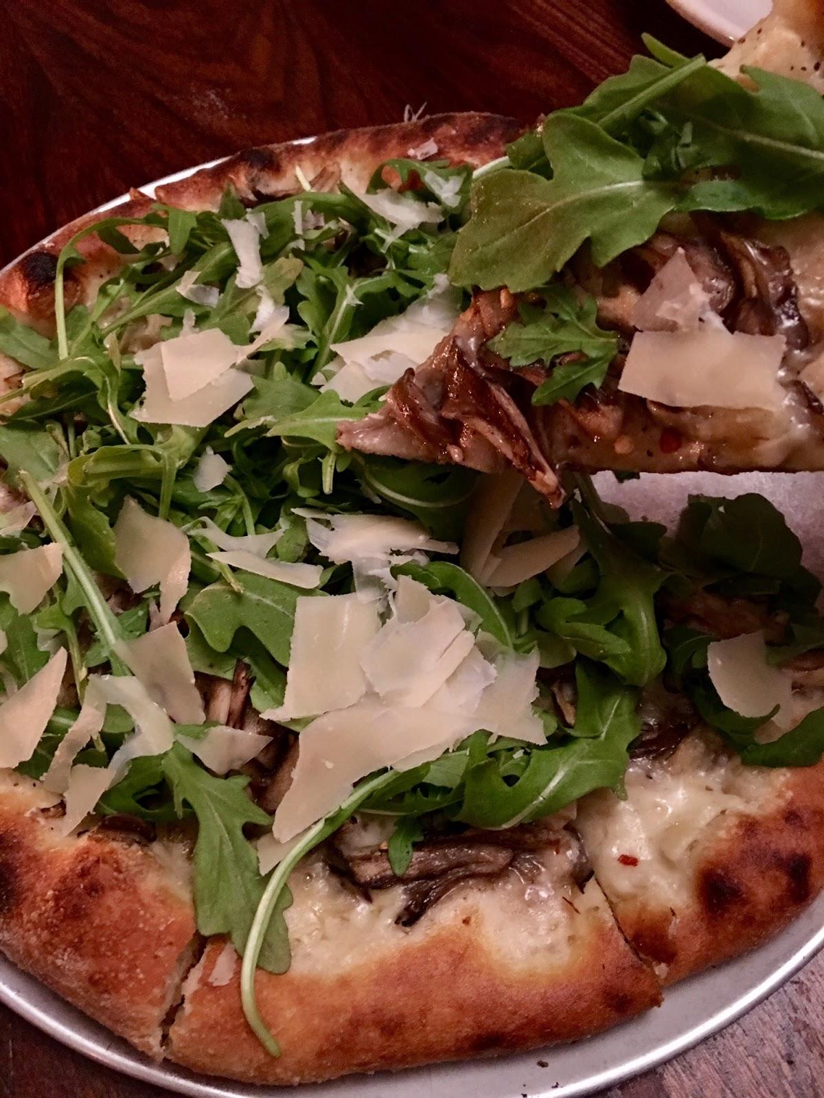 Bread & Tulips Pizza