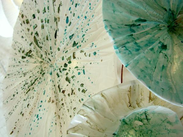lampada in carta e fili di rame, paper art Roma , Alessandra Fabre Repetto