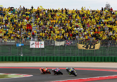 Panasnya Marquez vs Rossi di Lintasan Kuning Misano