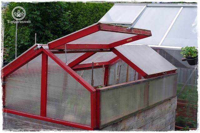 Gartenblog Topfgartenwelt Buchtipp Senkrecht Gärtnern - Bastelideen DIY Garten - Hochbeet