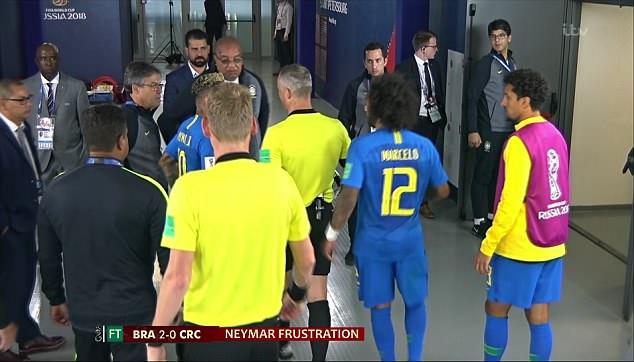 Neymar gây hấn với trọng tài trong đường hầm 3