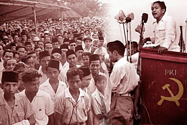 Jokowi Ingin Tabok Penyebar Hoax, Mengapa 6% Orang Percaya Jokowi PKI?