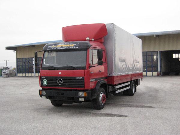 Μελισσοκομικό φορτηγό MERCEDES 1320 L- 1220