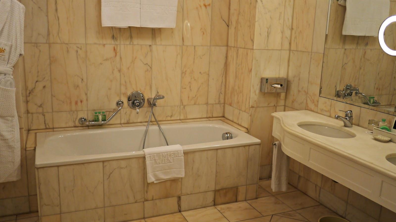 hotel imperial vienna bathroom