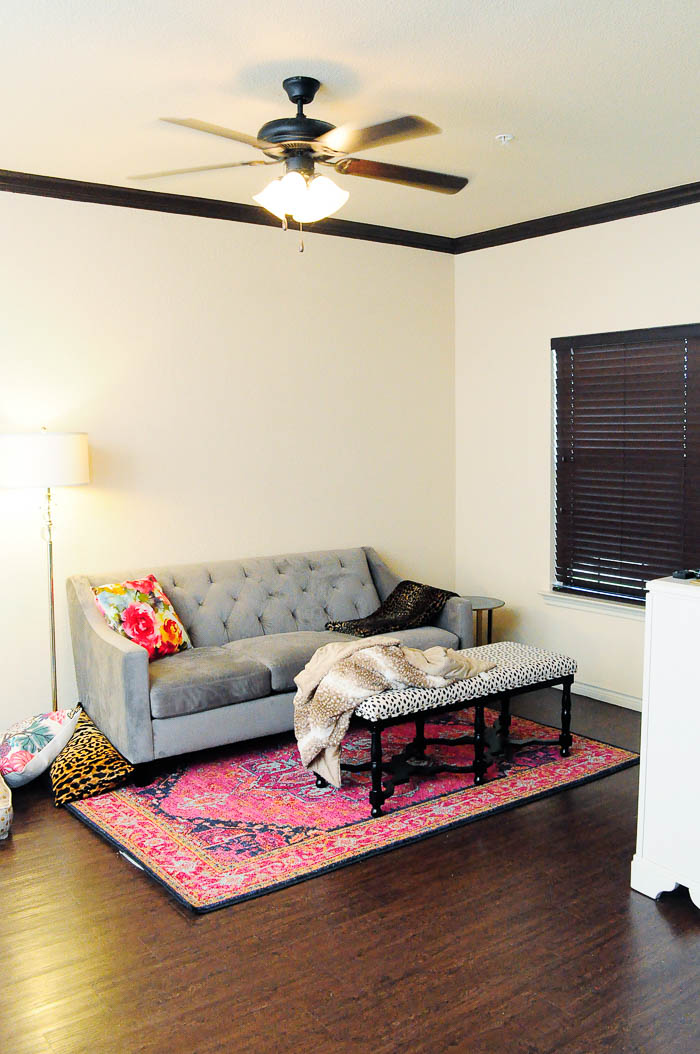 Decorate Living Room With One Window: Decorating An Apartment Living Room