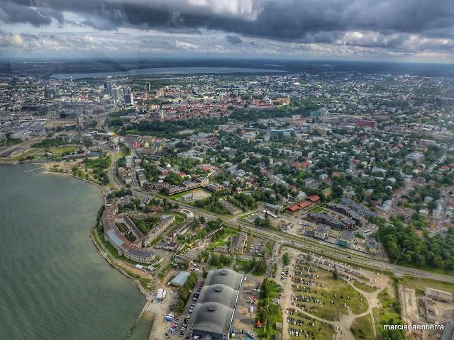 Vista aérea de Tallinn (Estonia)