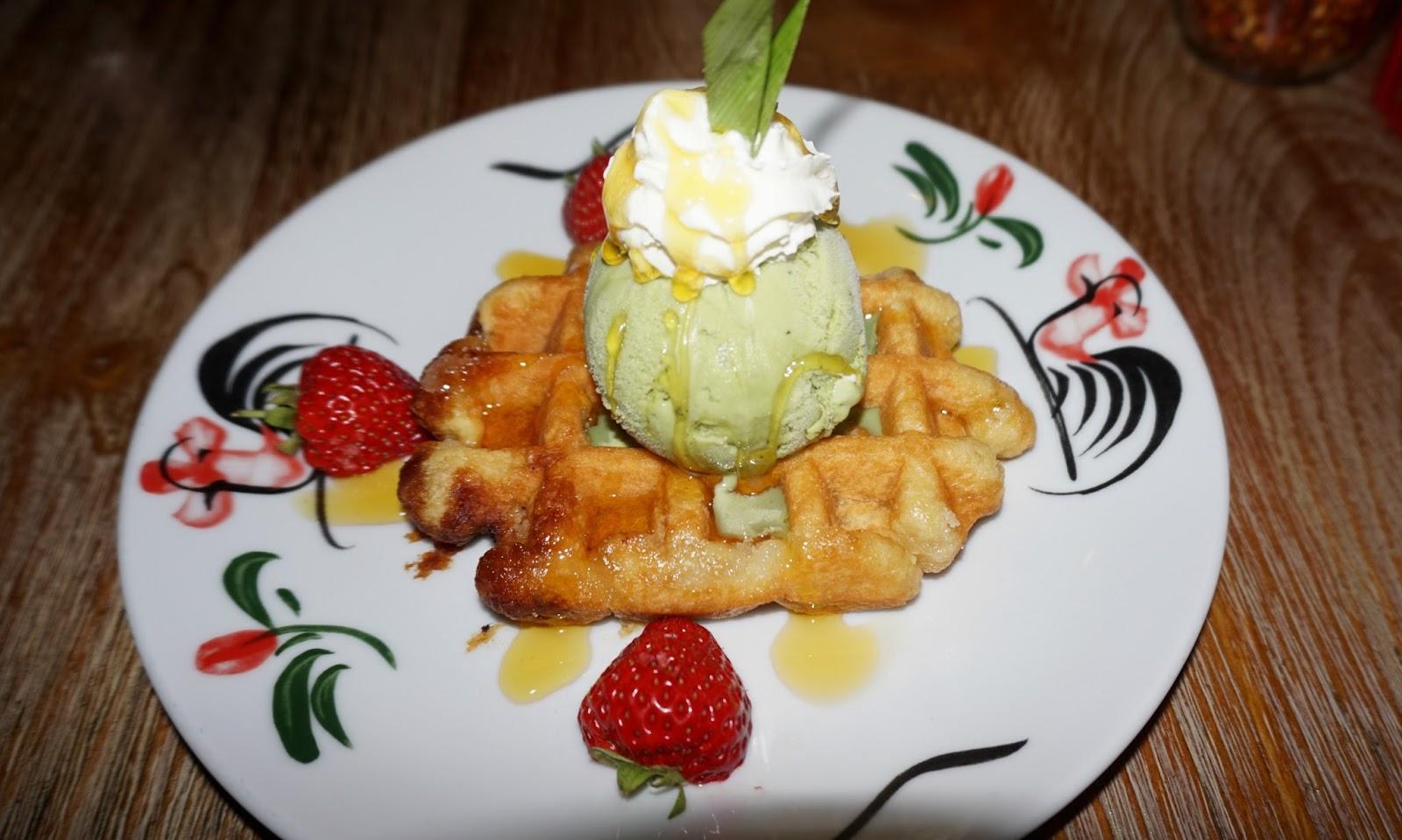 Thaikhun Thai Waffle Green Tea Ice Cream Dessert