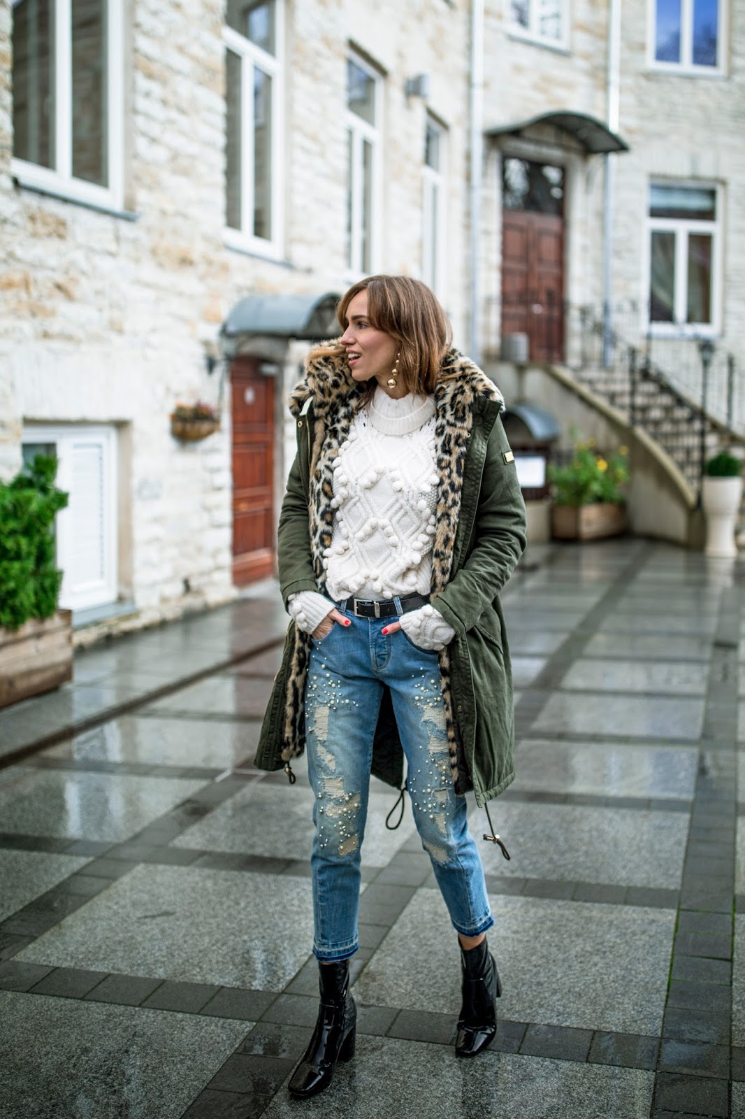 green parka jacket blue jeans outfit fall
