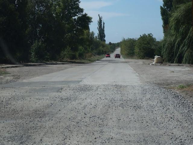 Drogi na Ukrainie są naprawdę różne