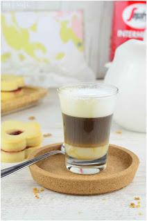 cafe bombon calorias cafe bombon valencia cafe bombon madrid cafe bombon con hielo cafe vienes cafe irlandes cafe capuchino tipos de cafetipos de café- café- café beneficios- café expreso- café propiedades-