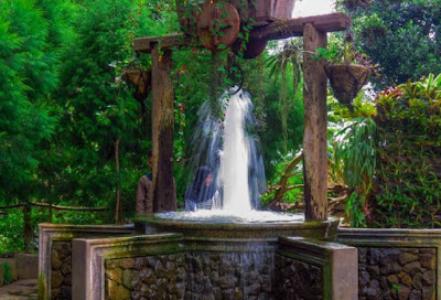 Farm House Lembang : Air Terjun