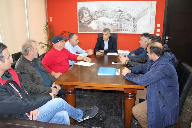 Με Εκπροσώπους Συλλόγων Εκπαιδευτών Οδήγησης απ' όλη τη Θεσσαλία συναντήθηκε ο Περιφερειάρχης Θεσσαλίας