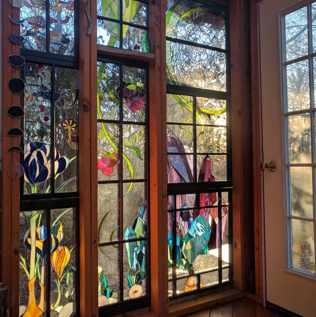 Artist Creates A Mindblowing Cabin In The Woods Made Of Stained Glass