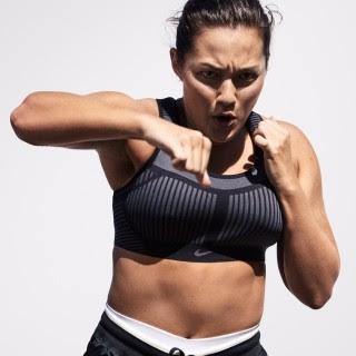 A lutadora de muay thai e modelo Mia Kang vai apresentar o reality Spy Games (Reprodução/Twitter)