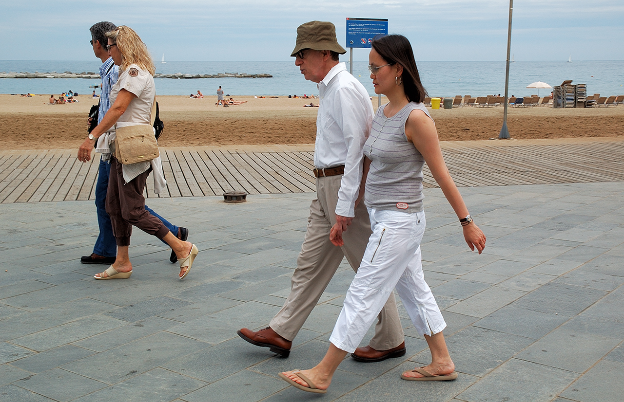 Woody Allen and Soon-Yi Previn in Barcelona by Carlos Lorenzo - Barcelona Photoblog