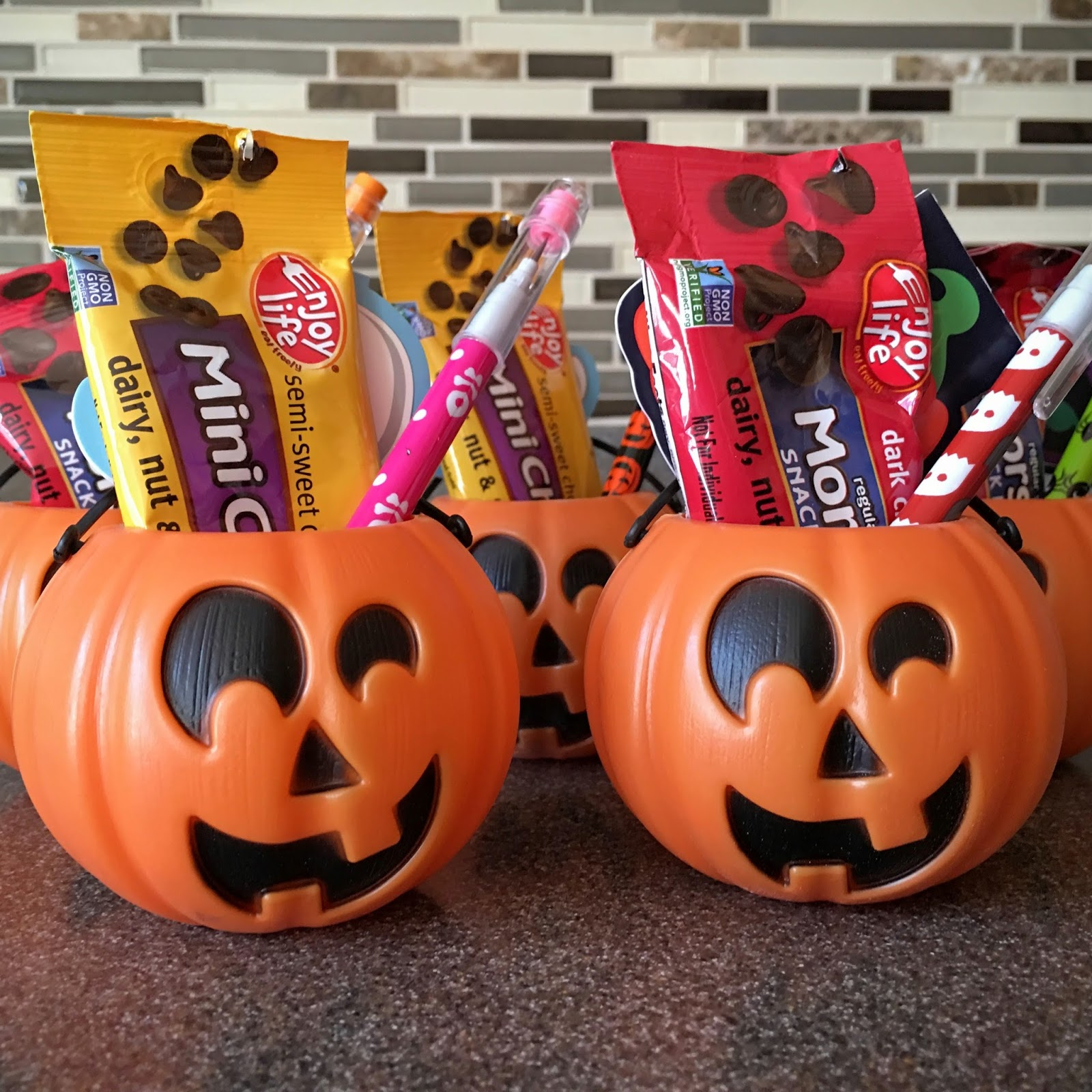 Mamacado: Enjoy Life Chocolate Chips Snack Packs ***Giveaway***
