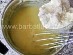 Prajitura cu portocale preparare reteta crema - incorporam untul