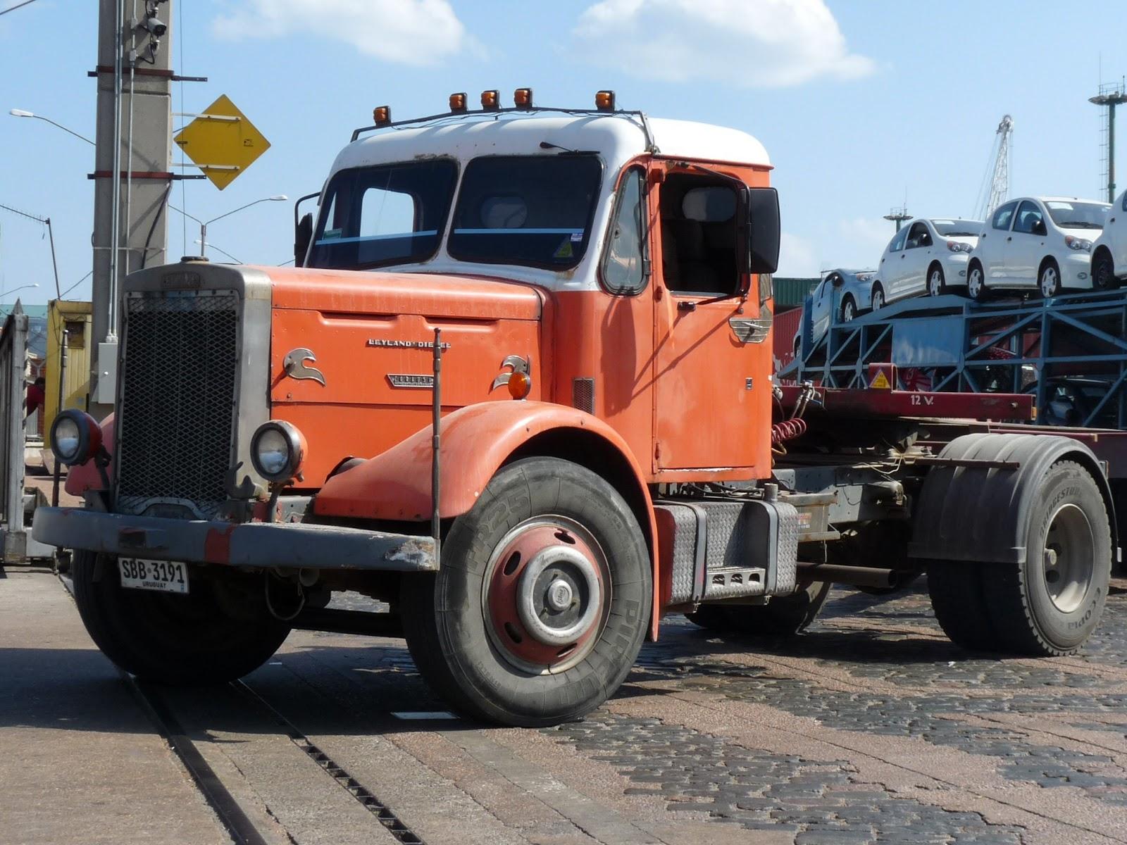 au gr des jours en uruguay les camions d 39 autrefois. Black Bedroom Furniture Sets. Home Design Ideas