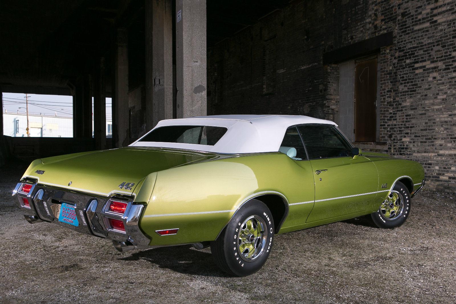 All American Classic Cars: 1971 Oldsmobile 4-4-2 2-Door