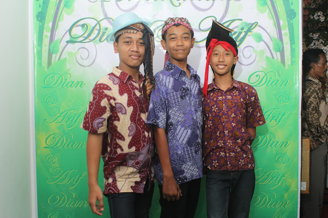+0856-4020-3369 ; Jasa Photobooth Semarang ~Event Wedding Arif Dan Dian~