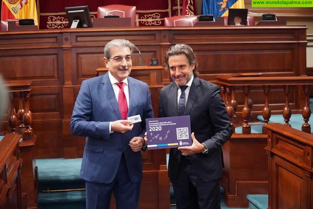 Román Rodríguez entrega al Parlamento unos presupuestos más sociales