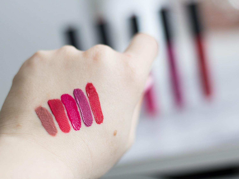 Deborah-Milano-Fluid-Velvet-Mat-Lipstick