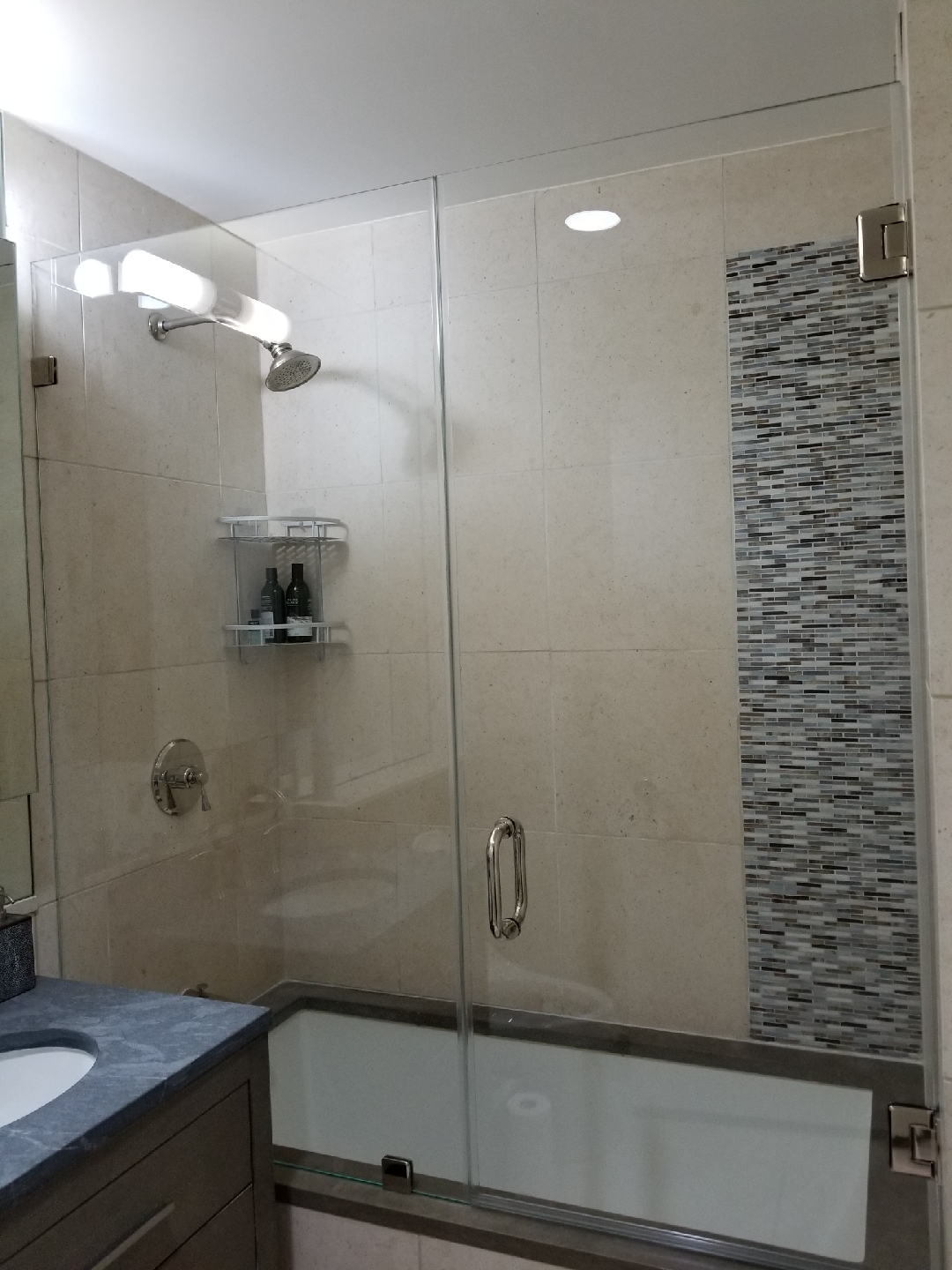 FRAMELESS SHOWER DOORS NY - GLASS TABLE TOPS - ANTIQUE MIRROR NYC