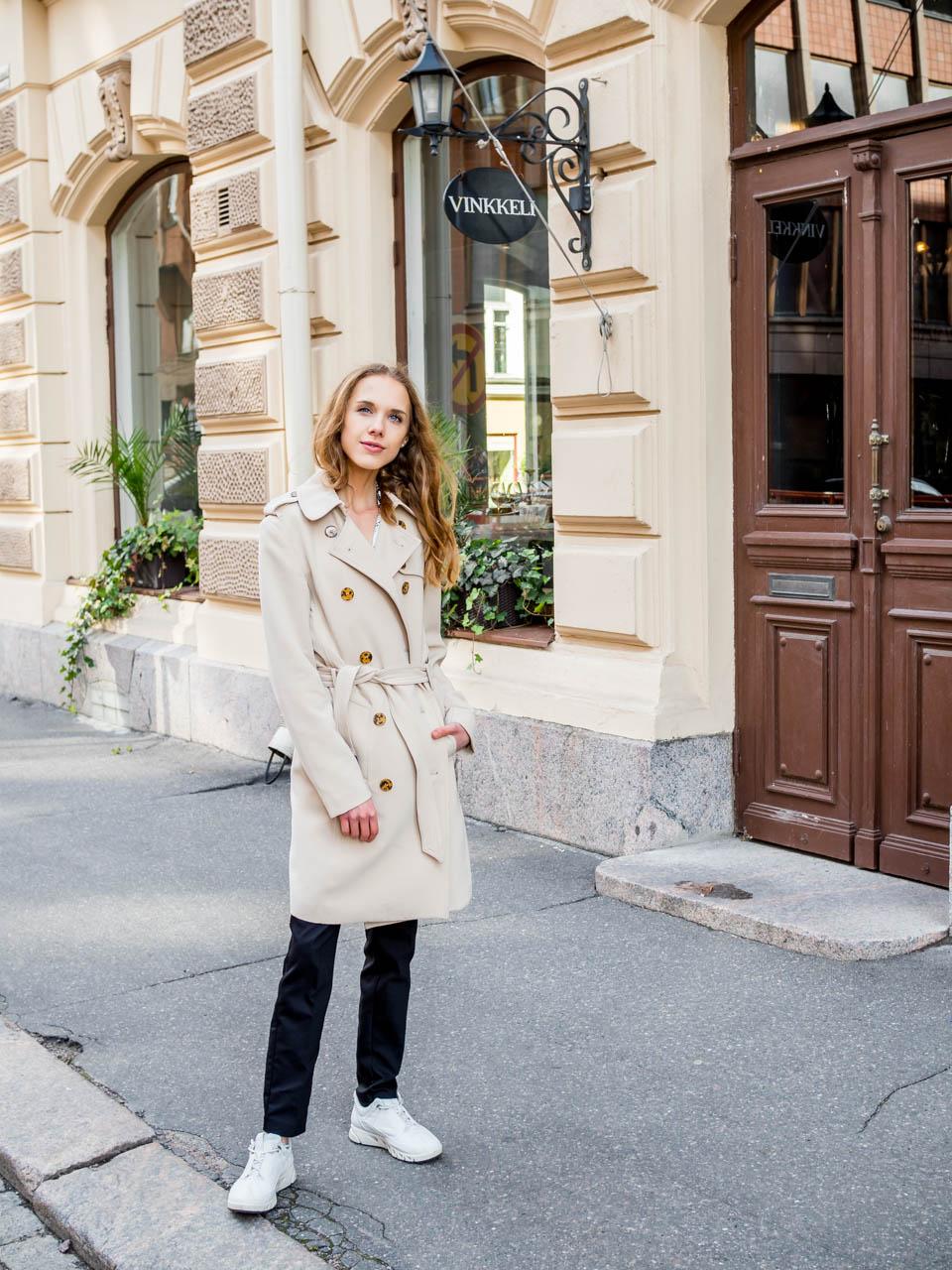 trench-coat-styling-tip-autumn-fashion-2019-kuinka-pukea-trenssi-takki-syksy-syysmuoti-2019
