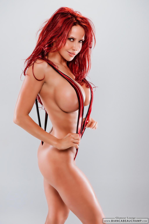 Anamara Desnuda large breasts