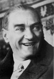 Anılarla Atatürk'ün Büyüklüğü - Gündüz Akgül