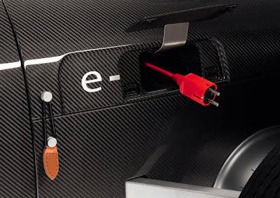 Auto eléctrico con diseño clásico Audi para niños