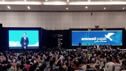 Jokowi Kaget, Sosialisasi Tax Amnesty di Surabaya Dihadiri 2.700 Pengusaha