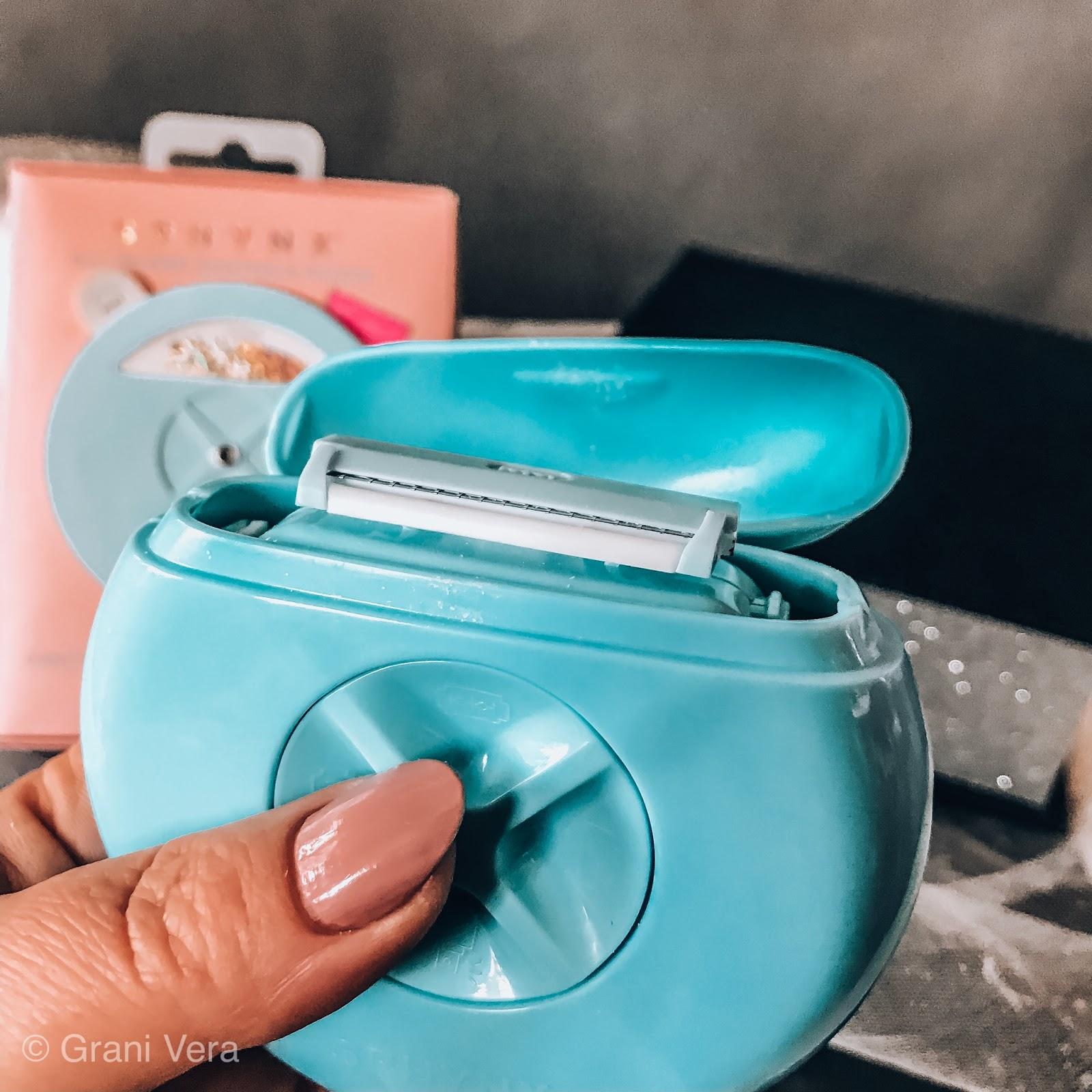 jak wygląda w środku jak wygląda psikadełko mydło  maszynka razor