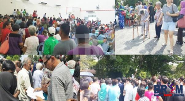 Majlis pemberian Baucer Bantuan Rakyat 1Malaysia (BR1M) Di Sini Hari Ini Berlangsung Dalam Keadaan Kucar-Kacir