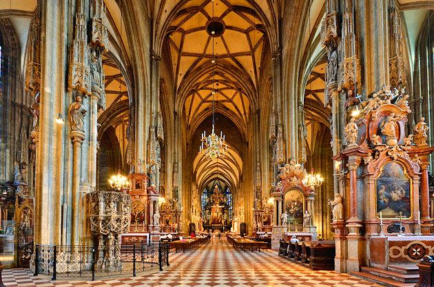 Passeio na Catedral St Stephen's de Viena